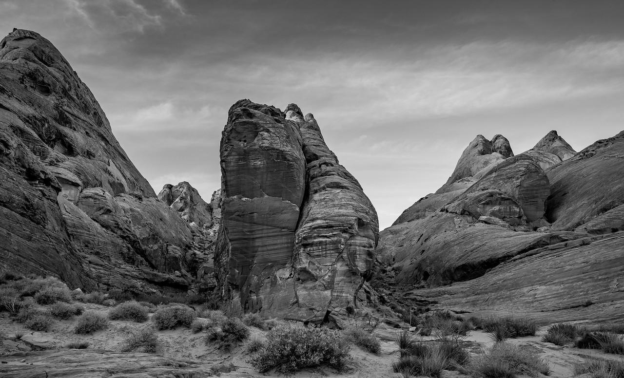 IMAGE: https://horshack.smugmug.com/Nature/Nevada/i-SXSxRbL/0/X2/nevada_78-X2.jpg